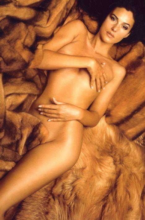 Monica Bellucci (44 yaşında)